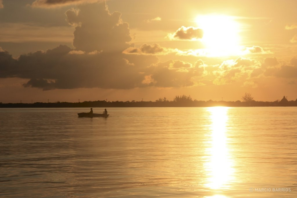 Incredible sunset in Utila