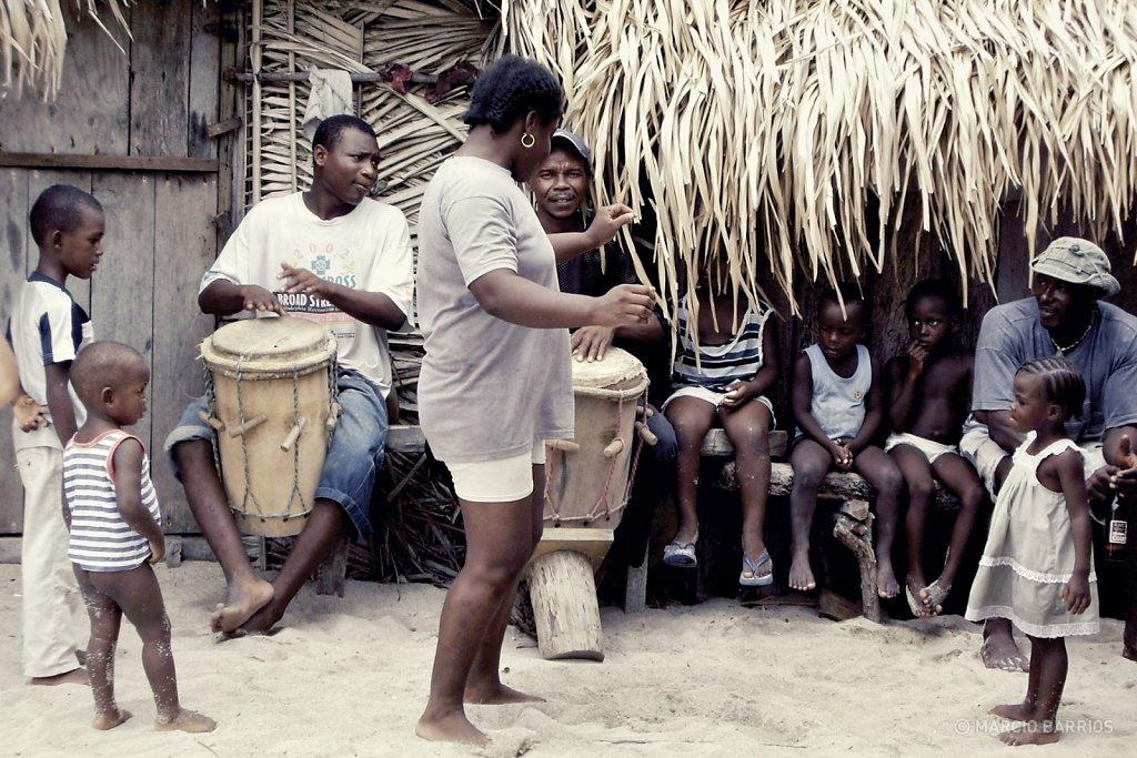 Garifunas dancing Punta