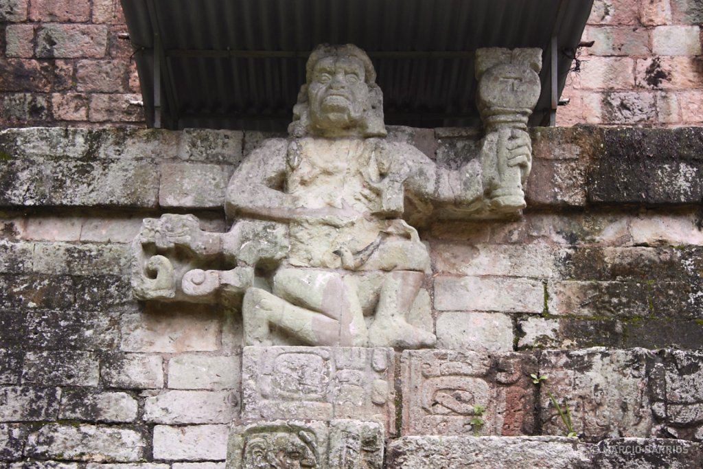Simian sculptures, possibly representing Howler Monkey Gods